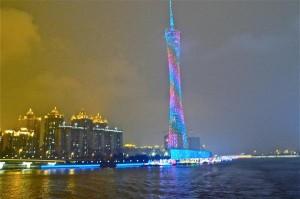 Canton Tower am Perlfluß in Guangzhou